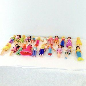 Lot of 22 Polly Pocket Dolls and Clothes